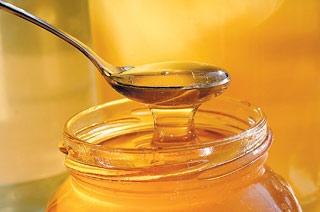 Parfe cu miere si cu sos fierbinte de fructe
