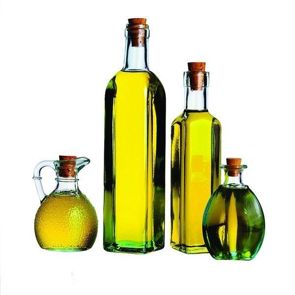 Uleiurile aromatice pentru par, picioare si unghii